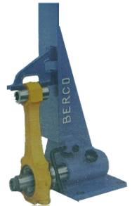 Urządzenie do sprawdzenia zgięcia lub skręcenia trzonu korbowodu